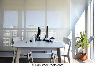 bureau fonctionnant, deux, bureau, maison, vide