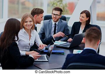bureau fonctionnant, gens, communication, discussion, réunion affaires, concept.