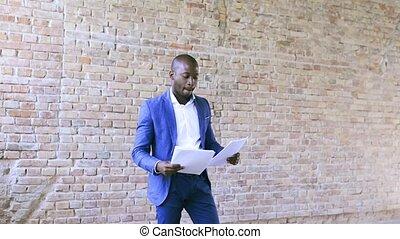 bureau., homme affaires, jeune, africaine
