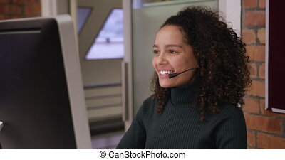 bureau, moderne, créatif, femme affaires, conversation, ...