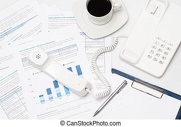 bureau occupé, téléphone, diagrammes, papier, bureau
