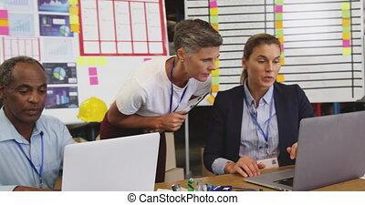 bureau, personnel, conversation, 4k, entrepôt