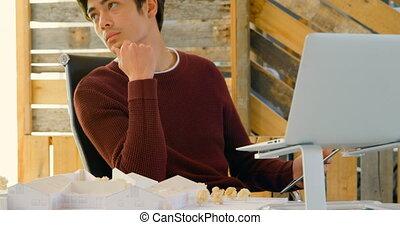 bureau, regarder, cadre mâle, 4k, loin, séance