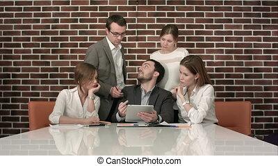 bureau, tablette, businesspeople, numérique, réunion, avoir