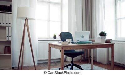 bureaubinnenland, thuis, laptop., bureau