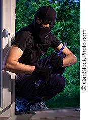 Burglar ready to break