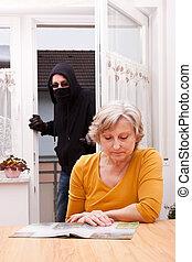 burglar surprise unwary senior - burglar surprise unwary...