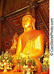 Burmese Buddha image at Wat Mon Sung-khan.