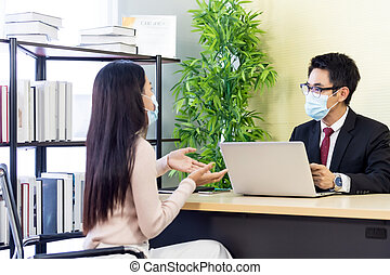 Business advisor advise customer about investment