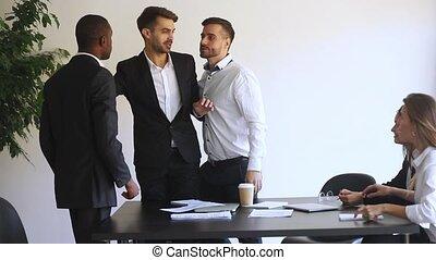 business, africaine, conflit, salle réunion, européen, réunion, pendant, hommes affaires