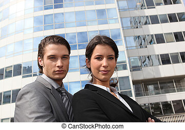 Business couple in the city