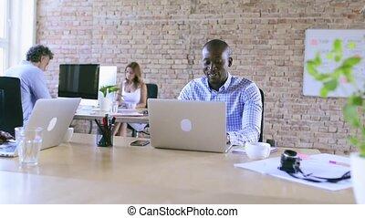 business, ensemble., bureau fonctionnant, gens