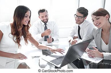 business, ordinateur portable, travail, résultats, leur, usages, équipe, chèque