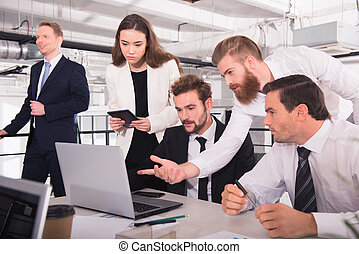 Business people in office connected on internet network. concept of startup company