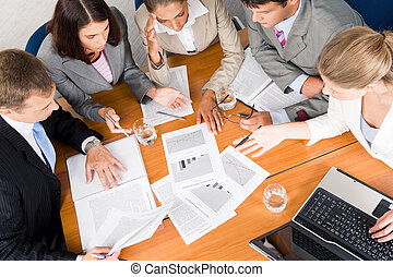 Business planning - Portrait of businesspeople planning...