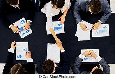 business, poignée main, dans, bureau