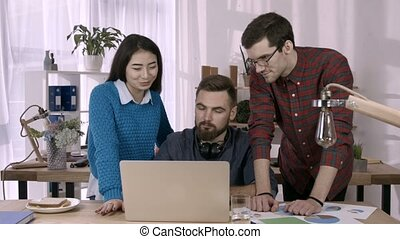 Business team on video conference in the office - Freelance...