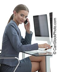 business woman talking on the smartphone