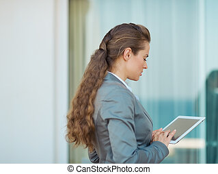Business woman working with tablet pc
