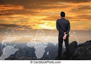 businessman van, képben látható, a, hegy, látszó, fordíts, a, city.