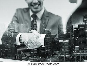 businessmen, shaking, два, офис, руки