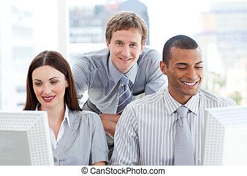 businesspeople, マネージャー, ∥(彼・それ)ら∥, コンピュータ, 仕事, 2