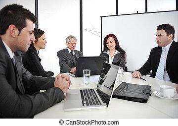 businesspeople, 持つこと, a, ビジネスが会合する