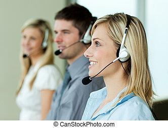 businesspeople, arbete, med, hörlurar