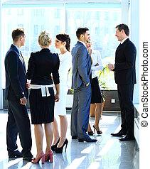 businesspeople, avoir, réunion, dans, moderne, bureau