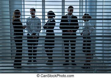 businesspeople, conversation, à, autre, derrière, aveugle