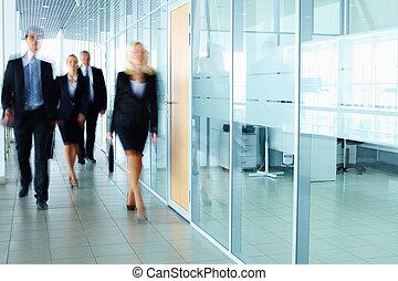businesspeople, corredor