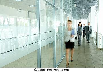 businesspeople, corridoio