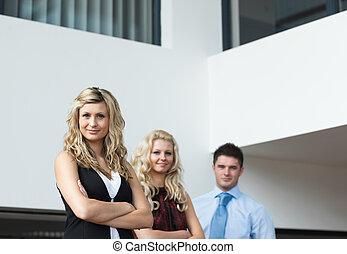 businesspeople, pracujący razem