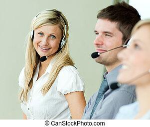 businesspeople, pracujący, z, słuchawki
