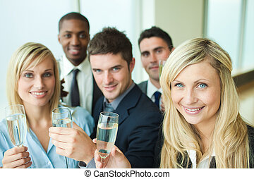 businesspeople, tostare, champagne