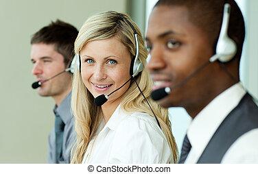 businesspeople, tragen, kopfhörer