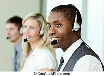 businesspeople, z, słuchawki