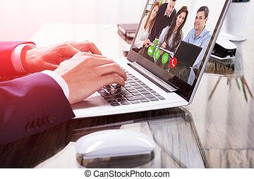 businessperson, conferencing video, su, laptop