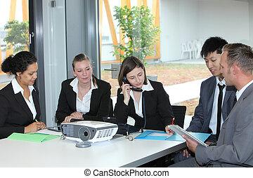 businessteam, arbeitend zusammen