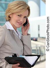 businesswoman, checking, hende, dagbog, smil