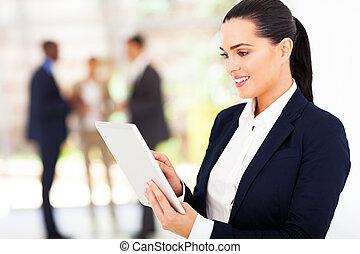 businesswoman, gebruik, tablet, computer