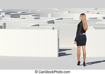 businesswoman stå, tilbage, og, kigge kamera hos