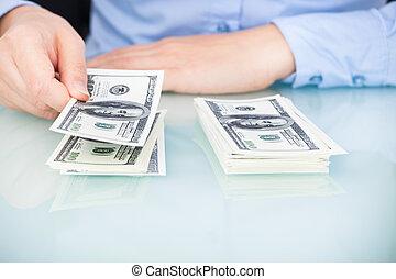 businesswoman, telling, bankbiljet