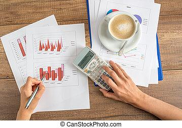 Businesswoman working on a presentation