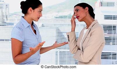 businesswomen, hebben, een, argument