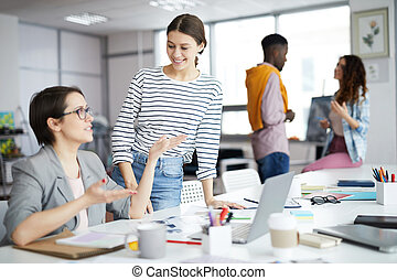 businesswomen, młody, pracujące biuro
