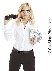 busineswoman, segurando, binóculos, e, euros:, perspectiva financeira