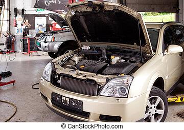 butik, bilen reparerar