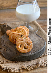 Butter cookies with glass of milk