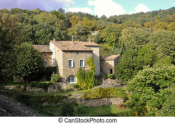by, cevennes